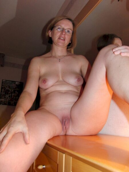 Adoptez une cougar sexy vraiment coquine