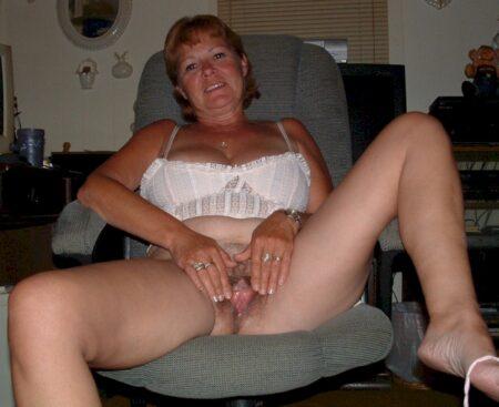 Passez une nuit de sexe avec une coquine sexy