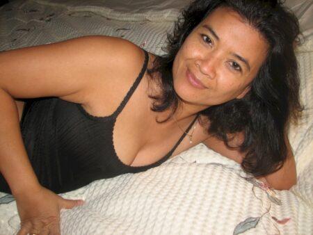 Pour jeune libertin coquin libre qui veut une femme libertine asiatique
